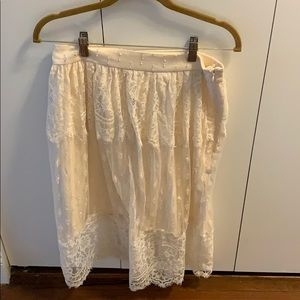 H&M pretty lace skirt with lining